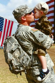 Bring Our Troops Home. For Peace & A much saner military budget that will work for America & the globe. Military Love, Military Families, Military Family Photos, Military Quotes, Fight For Us, Support Our Troops, Real Hero, God Bless America, American Pride
