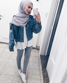Discover ideas about casual hijab outfit Islamic Fashion, Muslim Fashion, Modest Fashion, Fashion Outfits, Casual Hijab Outfit, Hijab Chic, Casual Outfits, Hijab Fashion Inspiration, Mode Inspiration