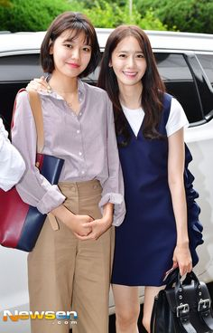 SooYoung&Yoona SNSD [no Seohyun] - KBS Building for Happy Together recording South Korean Girls, Korean Girl Groups, Sooyoung Snsd, Tiffany Girls, Taeyeon Jessica, Airport Style, Airport Fashion, Girls Generation, Asian Woman