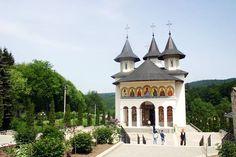 Mănăstirea Sihăstria, Neamț Mansions, House Styles, Architecture, Manor Houses, Villas, Mansion, Palaces, Mansion Houses, Villa