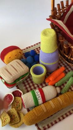 Quick Crochet, Crochet Food, Crochet Yarn, Half Double Crochet Decrease, Play Food, Pretend Food, Food Patterns, Crochet Patterns Amigurumi, Stuffed Toys Patterns