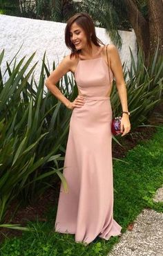 Lindo este vestido!!! Gala Dresses, Formal Dresses, Wedding Party Dresses, Bridesmaid Dresses, Dress Brokat, Ladylike Style, Material Girls, Get Dressed, Gowns