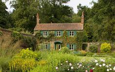 FARMHOUSE – vintage early american farmhouse in historic new england.