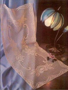 Crochê da Mag: Caminho de mesa: rosas em crochê filé
