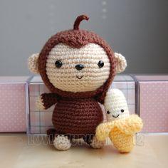 Cute little baby monkey and banana // Amigurumi, Crochet (pay for pattern) Crochet Diy, Crochet Amigurumi, Crochet Basics, Crochet For Kids, Amigurumi Patterns, Crochet Crafts, Crochet Dolls, Yarn Crafts, Crochet Patterns