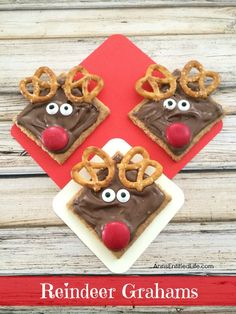 Reindeer Grahams Cookie Recipe on Yummly. Reindeer Grahams Cookie With Cocoa, Graham Crackers, Candy Eyes, Small Pretzel Twists, M&m Christmas Cookies Kids, Christmas Party Food, Cookies For Kids, Preschool Christmas, Xmas Food, Christmas Cooking, Christmas Goodies, Holiday Cookies, Christmas Desserts