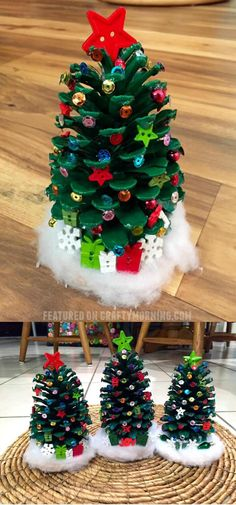 27 Quick and Easy Pinecone Christmas Ornaments - FarmFoodFamily Easy Christmas Ornaments, Pinecone Ornaments, Homemade Ornaments, Ornament Crafts, Christmas Crafts For Kids, Holiday Crafts, Christmas Decorations, Christmas Crafts With Pinecones, Vinyl Ornaments