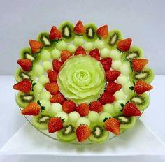 Fruit Platter Display Centerpieces 55 Ideas For 2019 Fruit Tray Designs, Fruit Tables, Fruit Presentation, Fruits Decoration, Fruit Creations, Food Carving, Food Garnishes, Fruit Dishes, Fruit Arrangements