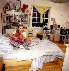 Kirsten Dunst in her bedroom, 1997