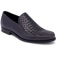 Bottega Veneta Interwoven Leather Loafers (2.750 BRL) ❤ liked on Polyvore featuring men's fashion, men's shoes, men's loafers, mens leather slip on shoes, mens woven loafer shoes, mens woven shoes, mens slip on shoes and mens shoes