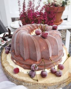 💙🍴 Best of Nordic Food 🍴💙 ✨✨✨ Page founded to feature The Best Nordic Food Images & Recipes ✨✨✨ 📷 Featuring today Ice Cream Cake by… Cream Cake, Ice Cream, Desserts, Recipes, Food, Custard Cake, No Churn Ice Cream, Tailgate Desserts, Cream Pie