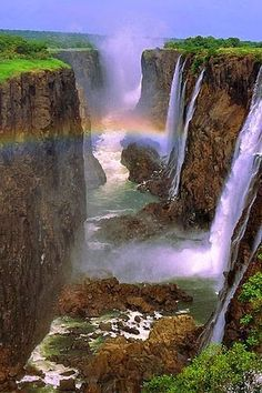 Victoria Falls, Zambia and Zimbabwe. The falls are among the most impressive to be found anywhere in the world. This legendary waterfall is among the biggest, and most awe-inspiring, on the planet. A UNESCO World Heritage Site since Beautiful Waterfalls, Beautiful Landscapes, Chutes Victoria, Places To Travel, Places To See, Beautiful World, Beautiful Places, Beautiful Pictures, Beautiful Photos Of Nature