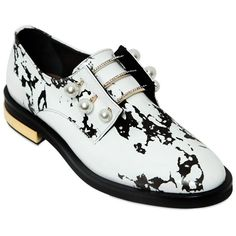 Coliac Women 20mm Fernanda Marble Print Leather Shoes ($735) ❤ liked on Polyvore featuring shoes, white, white leather shoes, leather footwear, rubber sole shoes, print shoes and elastic shoes