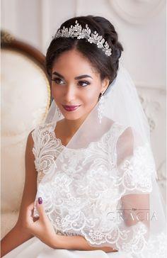 AMARA Silver Leaf Flower Bridal Tiara Wedding Crown by TopGracia  #topgraciawedding #bridaltiara #weddingcrown #promhairstyles