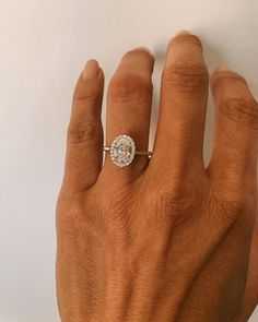 Modern Sapphire Engagement Ring Set Rose Gold Engagement Rings Leaf Sapphire Ring with Matching Band - Fine Jewelry Ideas Oval Halo Engagement Ring, Engagement Sets, Dream Engagement Rings, Morganite Engagement, Oval Halo Ring, Different Engagement Rings, Oval Morganite Ring, Halo 2, Country Engagement