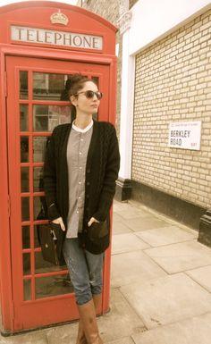 Camisa de Yaya Store, chaqueta de Temperley London para Barbour, jeans de JCrew y botas de By Larin