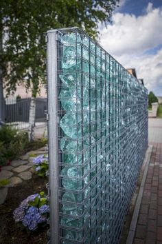 55 Fabulous Gabion Fence Design for Garden Landscaping Ideas - Zaun Backyard Fences, Garden Fencing, Front Yard Landscaping, Garden Art, Landscaping Ideas, Fencing Club, Trellis Fence, Backyard Privacy, Lattice Fence