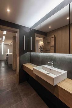 AV Loft Wohnung in Niš, Serbien / Arhitektura Budjevac Bathroom Design Inspiration, Bathroom Interior Design, Bathroom Spa, Bathroom Toilets, Beautiful Bathrooms, Layout, Architecture, House Design, Modern