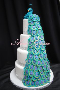 Peacock Themed Wedding Cake (Would be nice if Peacock looked a little more realistic)