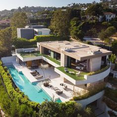 """TrillionaireGang on Instagram: """"$110,000 per month. @laestatebrokerage For more follow @trillionairegang. Picture/Video is not taken by us, all rights belong to their…"""" Mansion Designs, Mega Mansions, Luxury Homes Dream Houses, Modern Mansion, House Goals, Home Fashion, Home Goods, Instagram, Architecture"""