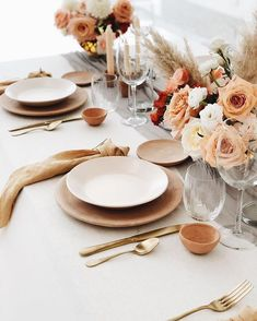 Creative Direction: Photography/Florals: Krissy Price (Pollen Floral Design) S Wedding Decorations, Table Decorations, Wedding Table Settings, Autumn Wedding, Boho Wedding, Deco Table, Event Decor, Event Ideas, Wedding Designs
