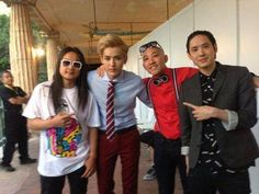 EXO's Kris and Tao snap pictures with Far East Movement! http://kpoprookies.com/exos-kris-and-tao-snap-pictures-with-far-east-movement/ #EXO #Kris #Tao #FarEastMovement #MTV #kpop