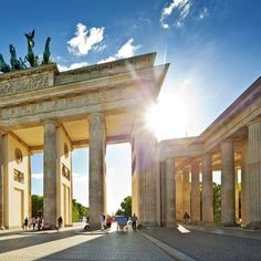 Brandenburger Tor, Berlin, Germany. Study abroad here through our program with Eurocentres! To apply online, visit us at studyabroad.uwm.edu.