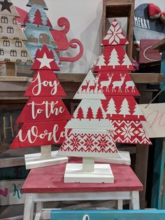 DESCRIPTION: set of 3 wooden christmas trees All products are made with high quality paints and stains, no vinyl used! Approx size: 21 x 14 12 x 8 4 x 4 Colors: white, red DISCLAIMER: All wood pieces will be left natural, stained and/or painted; Wooden Christmas Tree Decorations, Pallet Christmas Tree, Christmas Tree Crafts, Christmas Signs, Rustic Christmas, Christmas Projects, Holiday Crafts, Christmas Time, Christmas Wreaths