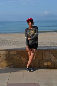Look 110 http://sixthematique.fr/look-110-eye-of-the-tiger/ New Era casquette sweat