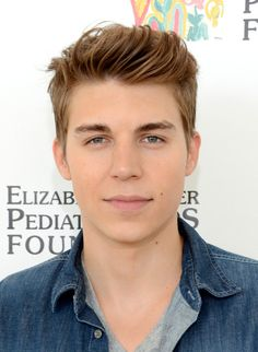 Nolan Funk aka collin from awkward:)