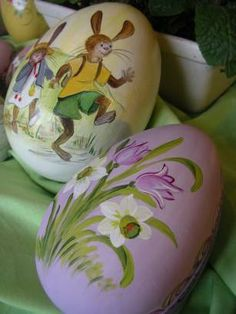 German holidays, festivals and traditions - Easter and Easter decoration - Courses Source by margare Easter Bunny, Easter Eggs, Rock Flowers, Easter Egg Designs, Easter Season, Spring Painting, Easter Projects, Egg Art, Vintage Easter