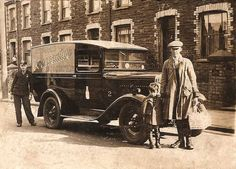 Old Photos of the Rhondda Valleys in Glamorgan / Sir Morgannwg, South Wales, United Kingdom of Great Britain Wales Uk, South Wales, Learn Welsh, Kingdom Of Great Britain, Cymru, Coal Mining, Commercial Vehicle, Old Photos, Antique Cars