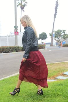 Burgundy maxi skirt. What to wear on Thanksgiving