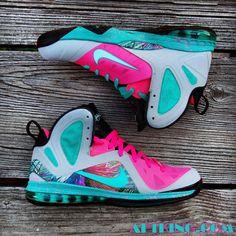 nike lebron 9 elite miami beach customs 02 570x570 Nike LeBron 9 Elite Miami Beach Customs by Gourmet Kickz