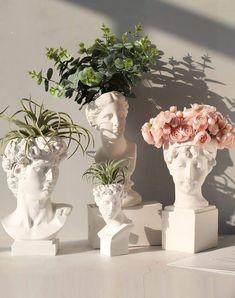 Greek Goddess Statue, Vase Crafts, Resin Crafts, Aesthetic Room Decor, Plant Aesthetic, Beige Aesthetic, Resin Flowers, Flower Vases, Diy Décoration