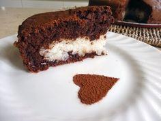 ▶ Torta al Cioccolato con Cuore di Cocco - YouTube