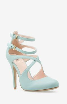 High Heels : something blue shoes Dream Shoes, Crazy Shoes, Me Too Shoes, Louboutin Shoes, Shoes Heels, Light Blue Heels, Fashion Shoes, Fashion Usa, Net Fashion