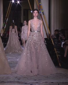 Beautiful Embroidered Sheath Evening Maxi Dress / Evening Gown with Deep V-Neck Cut, V-Back Cut and Princess Skirt. Couture Spring Summer 2018 Collection Runway by Zuhair Murad Beautiful Gowns, Beautiful Outfits, Evening Dresses, Prom Dresses, Wedding Dresses, Couture Fashion, Runway Fashion, Prom Dress Couture, Party Gowns