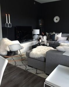 "The thing I like about my new dark color, is that the tv looks like ""bling"" and the huge loudspeakers disapears Have a lovely day! you can still join my giveaway☺️ #myart #arnejacobsen #home #livingroom #finahem #style #design4you #interior #interior2you #interior2all #interiordesign #interior4all #interior123 #interiors #ikea #kähler #fermliving #bloomingville #blackandwhite #interiorforyou #statigram #roomforinspo #diy #homedecor #homesweethome #interiores #nordiskehjem"