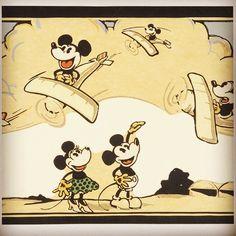 #wallpaperwednesday #mickeymouse #wallpaper #1930s
