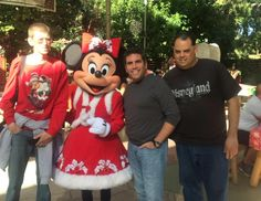 It was a nice flash back when myself and @mattmyers55 we meet up with @loumongello at the former big thunder ranch for the disney holidays in 2014 !! And With holiday Minnie Mouse !! Good times !! #throwbackthursday #disney #disneyfan #disneymemories #disneygram #disneylove #disneyside #disney #bigthunderranch #disneyphoto #minniemouse #disneyfriends #disneyfreak #disneyfun by lonestarr60th