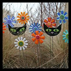 Glassworks Northwest - Cat and Flowers - Fused Glass Garden Art