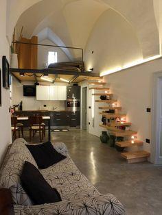 Descubra fotos de Salas de estar mediterrânicas por Ossigeno Architettura. Encontre em fotos as melhores ideias e inspirações para criar a sua casa perfeita.