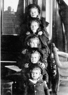 Grand Duchesses Olga, Tatiana, Marie, Anastasia, and Tsarevich Alexei aboard the Standart, 1907