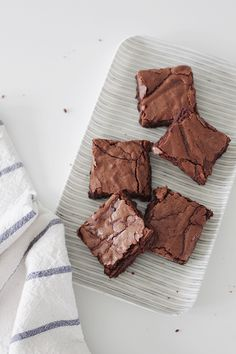 if you follow me on instagram stories, you know i have been baking a lot of brownies during my pregnancy — and after a lot of recipe testing, i have totally found my favorite one for life. i …