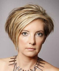 Asymmetric silver cut - 10 Classic And Simple Short Hairstyles For Women Over 50