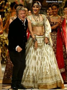 India Bridal Fashion Week 2013 Rohit Bal and Sonam Kapoor