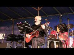 """""""O meu país"""", de Miro Casabella, un dos temas míticos do movemento Voces Ceibes (http://gl.wikipedia.org/wiki/Voces_Ceibes). Actuación de Miro Casabella  no festival """"A Nosa Fala"""" (Foz, Lugo, 2012)."""
