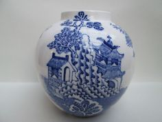 Beautiful Oriental Style Blue & White Glazed Ceramic Vase Mason s England