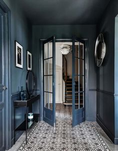 Dark hallway inspiration with tiled floorsYou can find The doors and more on our website.Dark hallway inspiration with tiled floors Interior Design Blogs, Blog Design, Diy Interior, Hall Interior, Luxury Interior, Hallway Inspiration, Interior Inspiration, Hallway Decorating, Interior Decorating